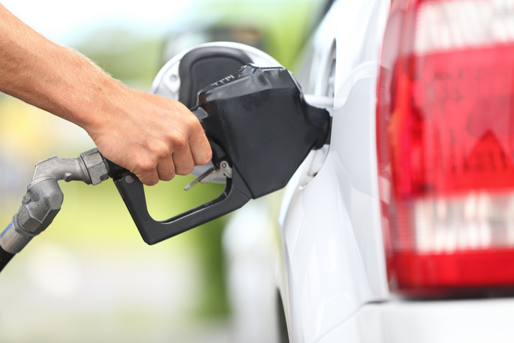 8 Easy Tips to Stay Safe at the Pump